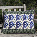 Pillow Pattern: GRAPE WITH LEAF BORDER
